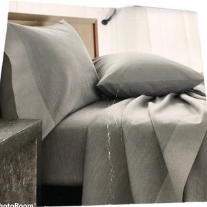Michael Aram Striated Band 400 TC Fitted Sheet